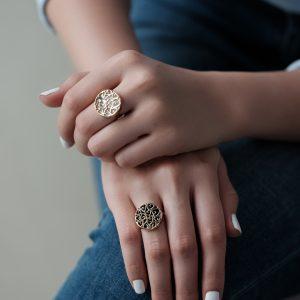 انگشتر گل مثلثی و سنگ - الی گلد گالری