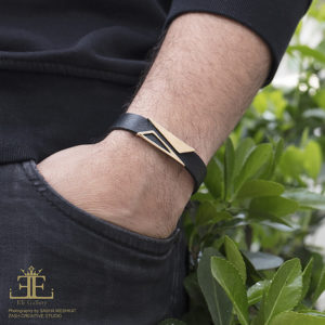 دستبند دو مثلث و چرم سورمه ای - الی گلد گالری